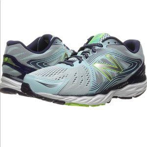 New Balance W680v4 Running Shoe Women's 9.5
